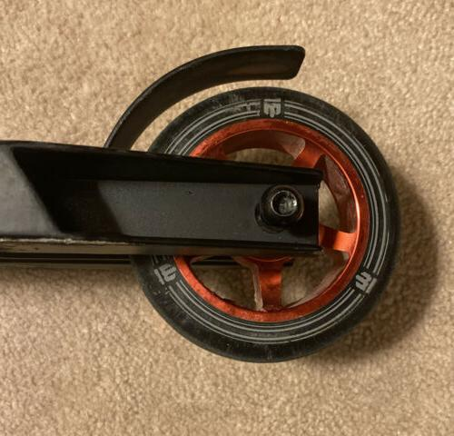 Mongoose Rise 100 Freestyle Scooter Impact 110 Wheels Red/Black